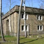 Ehemaliges Atelierhaus von Arno Breker im Käuzchensteig in Berlin-Dahlem von Hans Freese, Ausschnitt mit Seitengebäude