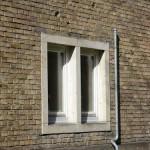 Ehemaliges Atelierhaus von Arno Breker im Käuzchensteig in Berlin-Dahlem von Hans Freese, Detailansicht eines Fensters