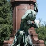 Bismarck-Nationaldenkmal am Großen Stern in Berlin-Tiergarten von Reinhold Begas, Detailansicht von Atlas
