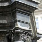 Das bronzene Luther-Denkmal in Eisleben, Standort ist auf dem Marktplatz, wurde 1882 von Rudolf Siemering geschaffen. Enthüllt wurde es 1883 anlässlich des 400. Geburtstags Luthers.