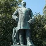 Roon-Denkmal am Großen Stern im Großen Tiergarten in Berlin von Harro Magnussen, Gesamtansicht der Standfigur