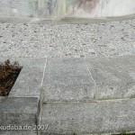 Musiker-Denkmal im Großen Tiergarten in Berlin-Tiergarten von Rudolf Siemering aus dem Jahr 1904, Detailansicht der Bodenplatte
