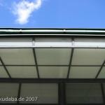 Wartehäuschen auf dem Breslauer Platz in Berlin Friedenau von Heinrich Lassen aus dem Jahre 1929 im Stil der Neuen Sachlichkeit, Detailansicht des Daches