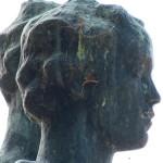 """Skulpturen-Gruppen """"Menschenpaar"""" von Georg Kolbe am Maschsee in Hannover, Detailansicht vom Frauenkopf"""