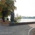 """Skulpturen-Gruppen """"Menschenpaar"""" von Georg Kolbe am Maschsee in Hannover, Gesamtansicht"""