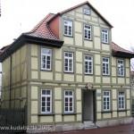 Spätbarockes Fachwerkhaus am Johanniskirchof 3 in Göttingen, erbaut 1785, Gesamtansicht
