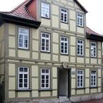 Spätbarockes Fachwerkhaus am Johanniskirchof 3 in Göttingen, erbaut 1785, Hauptfassade