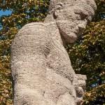Gefallenen-Denkmal von Eberhard Encke von 1924 in der Baerwaldstrasse in Berlin-Kreuzberg, Detailansicht der Skulptur