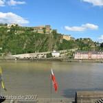 Das Reiterstandbild des Kaiser Wilhelm I. auf dem Deutschen Eck in Koblenz, Blick auf den Rhein und die Festung Ehrenbreitstein