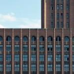 Ullsteinhaus in Berlin-Tempelhof nach Plänen von Eugen Schmohl, 1927 im expressionistischen Stil fertiggestellt, Ansicht der Fassade zum Tempelhofer Hafen hin