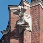 Ullsteinhaus in Berlin-Tempelhof nach Plänen von Eugen Schmohl, 1927 im expressionistischen Stil fertiggestellt, Ansicht des skulpturalen Schmucks an einem Sims