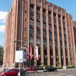 Ullsteinhaus in Berlin-Tempelhof nach Plänen von Eugen Schmohl, 1927 im expressionistischen Stil fertiggestellt, Ansicht des Gebäudes vom Mariendorferdamm, Ecke Ullsteinstraße