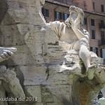 Vierströmebrunnen auf der Piazza Navona in Rom, Ansicht des Sockels mit Darstellung der Personifikation der Donau (Danubius)