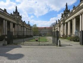 Königskolonnaden von Carl von Gontard im Kleistpark in Berlin-Schöneberg